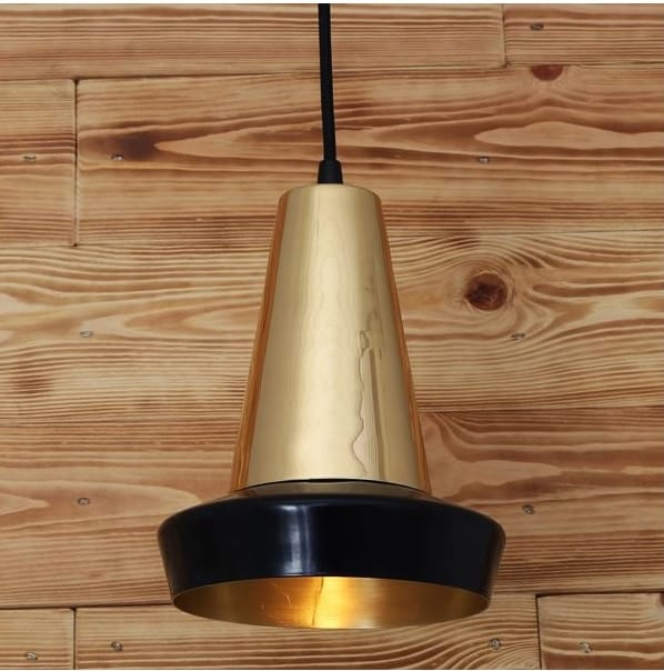 monaghan-lighting-malabo-industrial-style-black-and-polished-brass-ceiling-pendant-p9005-13284_image