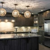 Kitchen Island With Hanging Pendant Lights Above