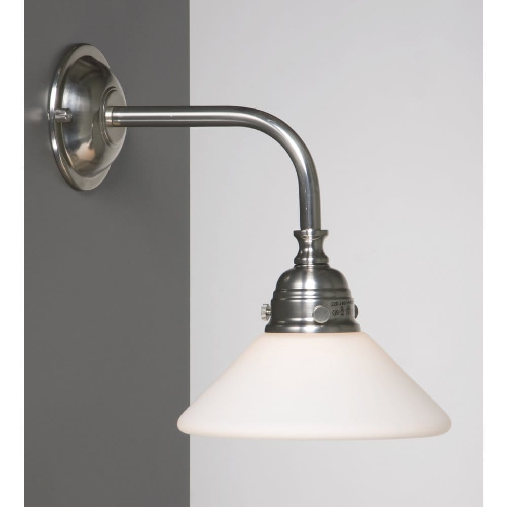 traditional or edwardian bathroom wall light in 14795